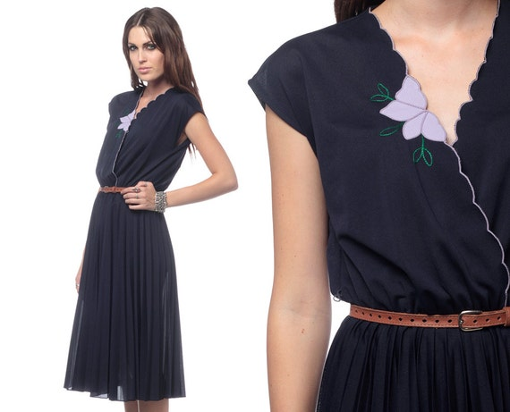 Navy Pleated Dress 70s Wrap Midi Floral Scalloped Cap Sleeve 1970s Boho Deep V High Waisted Bohemian Vintage Retro Dress Medium Large