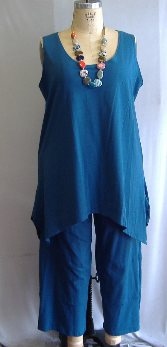 Coco and Juan Lagenlook Plus Size Peacock Blue Knit Angled Tank Top Size 2 fits 3X,4X Bust  to 60 inches