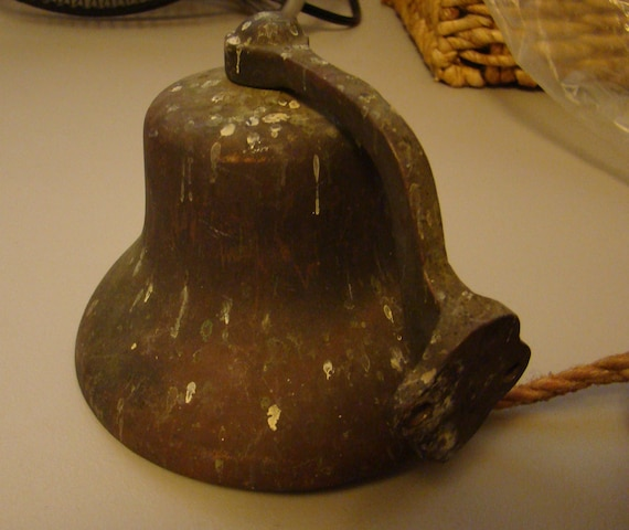 Old Vintage Rustic Wall Mounted Cast Iron Dinner Bell With 3