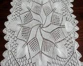 Vintage Doily Dresser Scarf Hand Knit Table Topper Star Design White  Wedding Decor