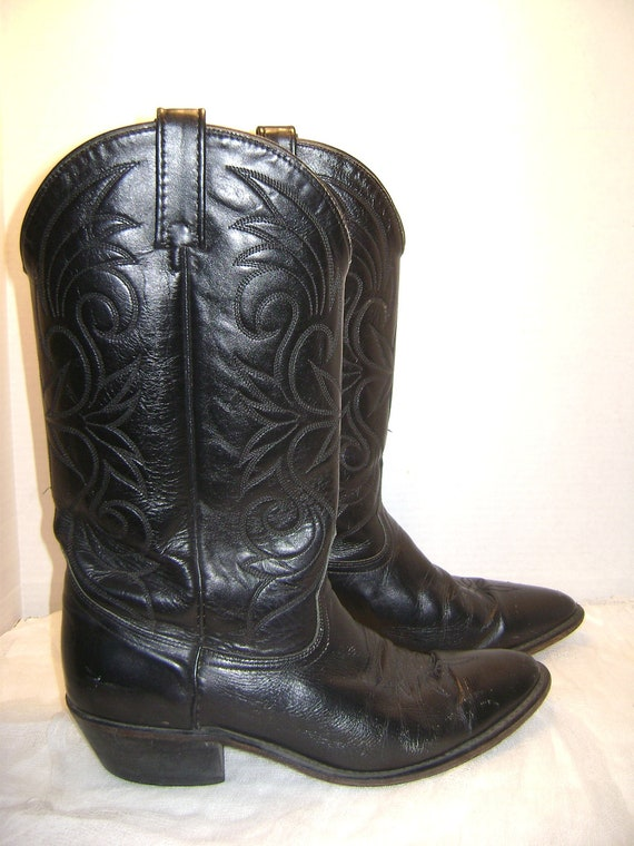 REDUCED Vintage Cowboy Boots Size 9 10 D, Black Leather Western Pointed Toe Cuba Heel Fancy Stitching Acme Wild West Hoe Down Horse
