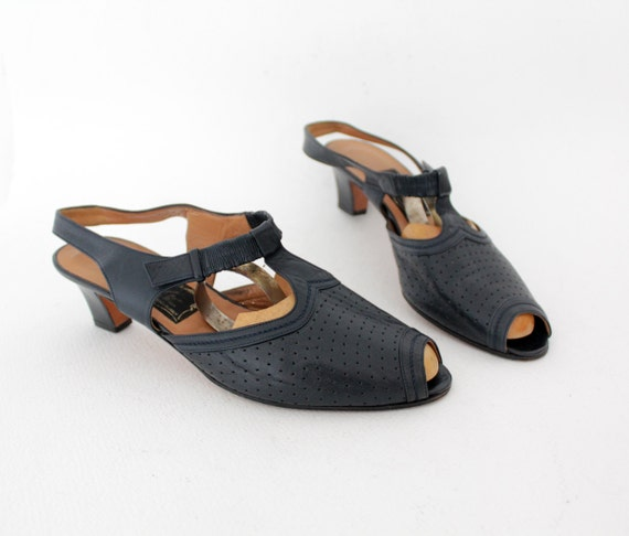 Vinatge shoes / navy leather perforated T-strap sandals