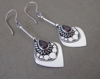Dazzling Silver 925 Garnet Dangle Earrings / silver 925 / Bali jewelry / 2 inches / handwork earrings
