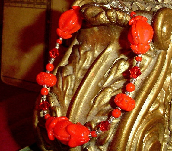 Sale Vintage red glass beaded bracelet with crystals