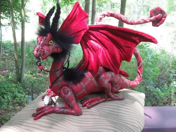 Tartan , Royal Percher -Shoulder Dragon