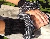 Fabric or Lace Ruffled Wristers Pattern