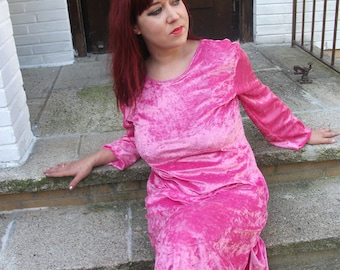 dress made of artificial velvet long sleeves midi-long pink size M.