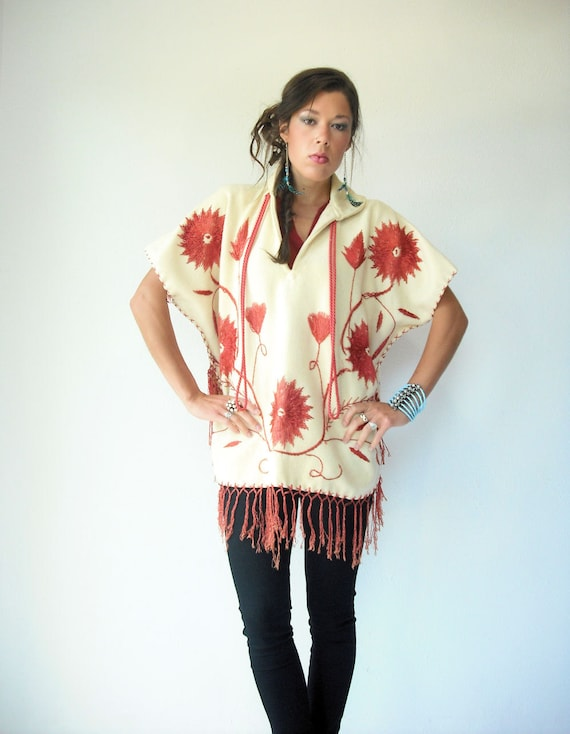 70's Floral Embroidered Vintage Wool Blanket Cape Poncho / Rust and Cream / Fringe Trim