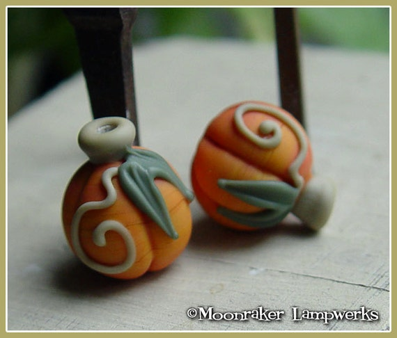 Round Orange Pumpkin Halloween Fall Lampwork Bead