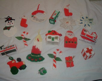 18 VINTAGE hand made crochet ornament and decorations