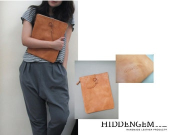 """Hand-Stitched camel leather envelope with zip closure (Macbook Pro / air 13"""" )"""