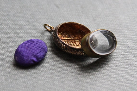 Reserved// for Rachel - Victorian Memory Locket / Souvenirs and Secret Treasures