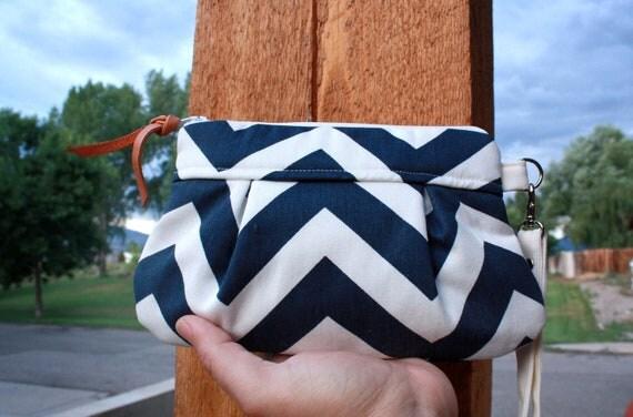 Chevron Wristlet/ Pouch/ Clutch// Nautical stripe // Small //Navy/White  -MADE TO ORDER-
