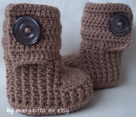Crochet baby booties with large buttons for NB, 0-3 M or 3-6 M,choose your color and size