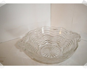 Vintage Clear Glass Dish w/Handles/Home Decor*