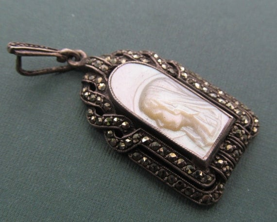 ss328.com_Virgin Mary Mother Of Pearl Religious Pendant 800 Silver And