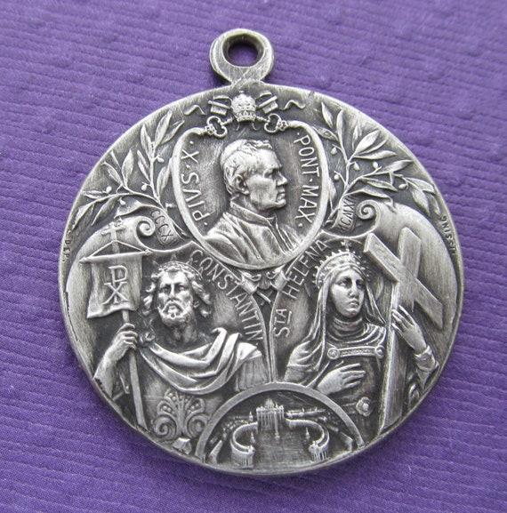 Antique Religious Medal Saint Constantine Saint Helen Pope Pius X Signed Kissing       SS148