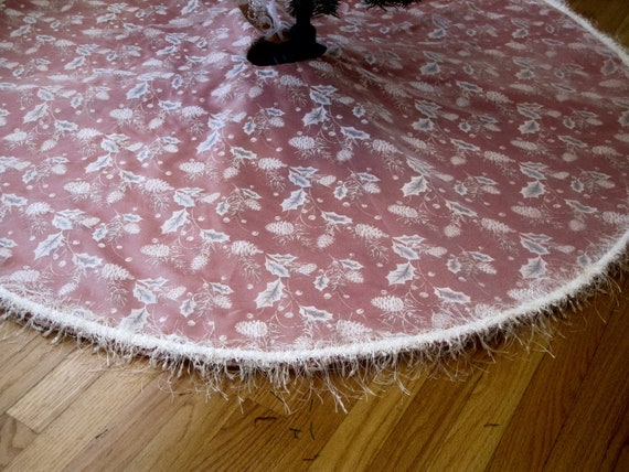Sparkling White/Silver On Red Christmas Tree Skirt
