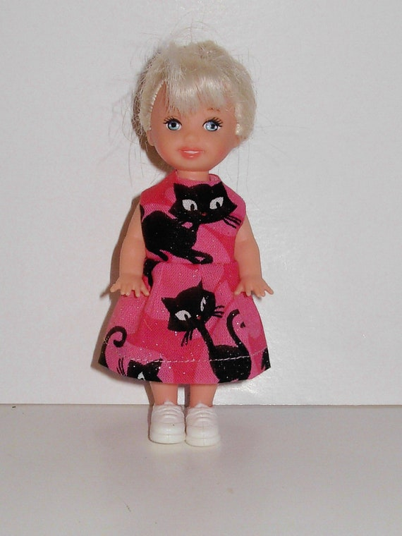 Pretty Halloween dress for barbies' little sister Kelly