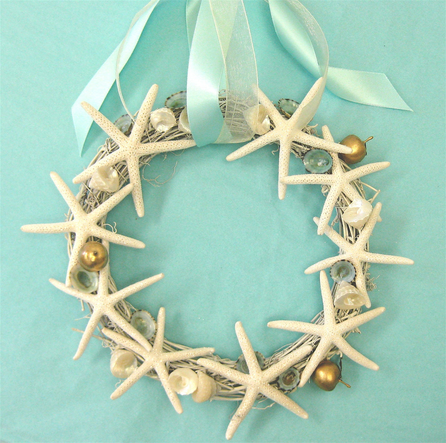 Beach christmas wreath with starfish and by seashellcollection