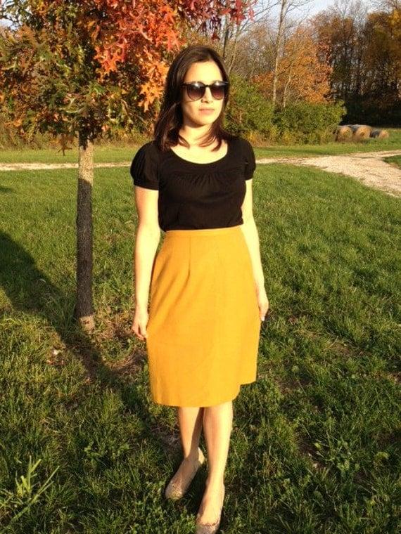Vintage 1950s 1960s Womens Wool Mustard Yellow High Waist Rise Skirt Small