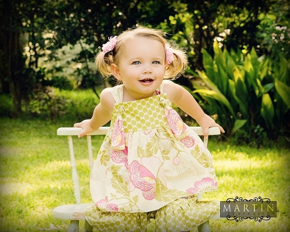Fancy Fuchsia Floral and  Polka Dot ruffle capri pants and Knot Shirt Set, Size M 3-4 yrs Ready to Ship