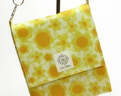The not so Mini Messenger bag with cross body strap in Pretty Yellow Flowers