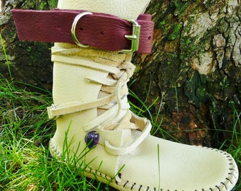 Shin High Indie Moccasin Two Tone Cream & Redwood With Buckles Hand Stitched Soft Bullhide Leather Upper With A Durable VIBRAM Sole Boot