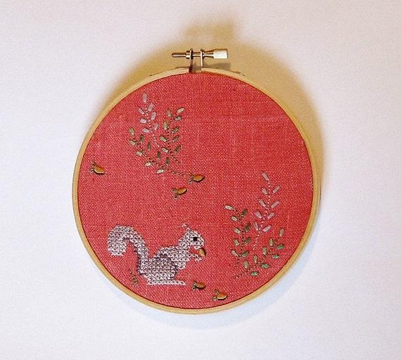 Hoop art/ embroidered vintage coral squirrel linen