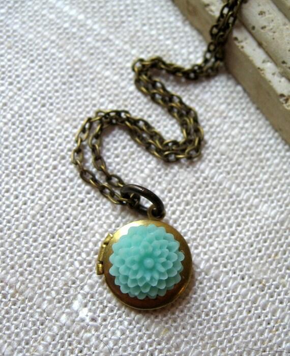 Vintage Locket Necklace, Flower Locket, Mint Mum Flower, Round Brass Locket, Antiqued Brass Chain - Little Flower