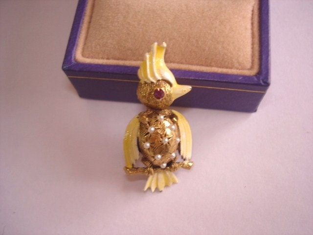 Vintage Jewelry Signed Weiss Bird Pearl Rhinestone Brooch
