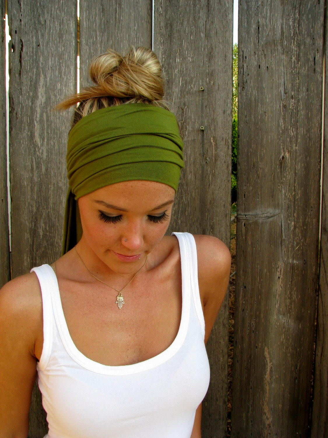 how to wear an infinity scarf on head