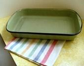 Green enamel baking pan