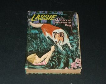 Vintage 1956 Lassie and the Mystery at Blackberry Bog - Collectible Art Illustrated Whitman Book
