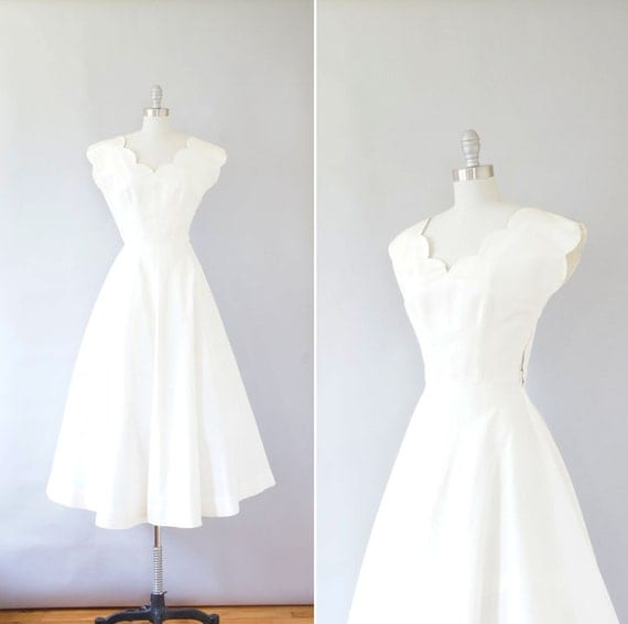 1940s Dress / Vintage 40s Wedding Dress / Ivory Scallop