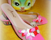 VINTAGE Pink Petal Lucite Mules SHOES -- Adorable Retro Cuteness Size 8