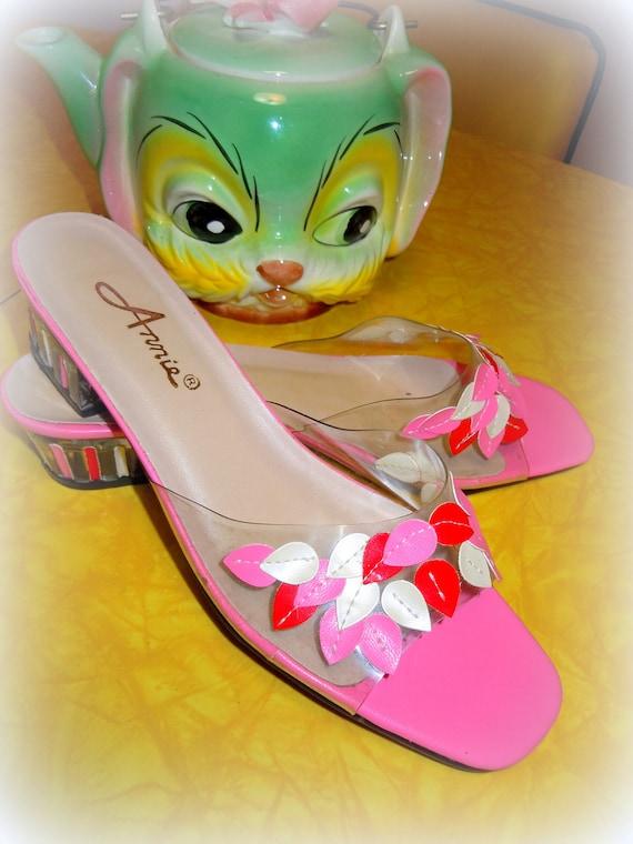 VINTAGE Pink Petal Lucite Mules SHOES -- Adorable Retro Cuteness Size 8