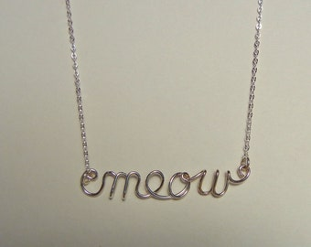 "Word necklace ""meow"" in sterling silver"