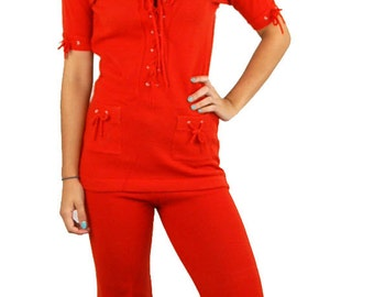 1970s tunic top and pants, knit tunic and pants, red lace up top, Size M