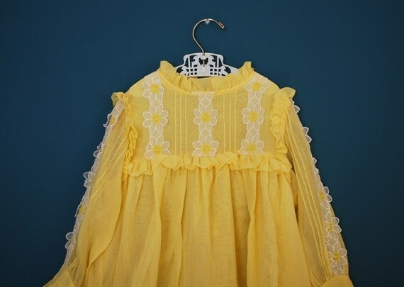 Vintage 1960s Child's Yellow Dress with Daisies- Size 5