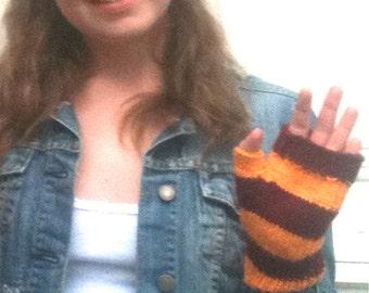 Fingerless Glove - Demi Glove, Mini Glove, Burgundy and Gold, Gryffindor - Ready to ship