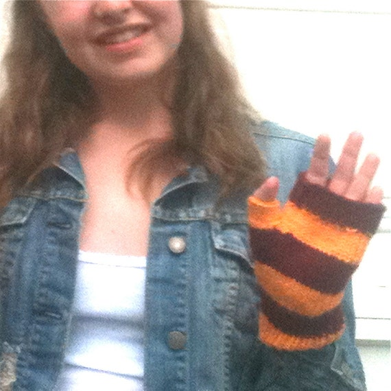 Fingerless Glove - Demi Glove, Mini Glove, Burgundy and Gold, Gryffindor - Ready to ship