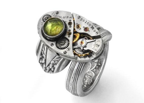 Steampunk Ring, Peridot Gemstone & Elgin Vintage Watch Mechanism - Size 7 Steampunk Ring