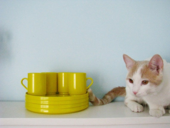 vintage yellow Oblique Melamine mugs and plates camping set
