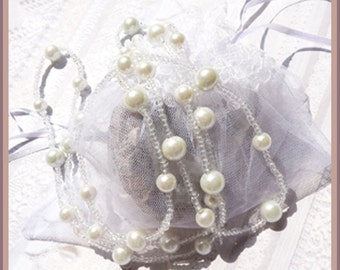 White Pearl Hand Beaded - Necklace  D 7983
