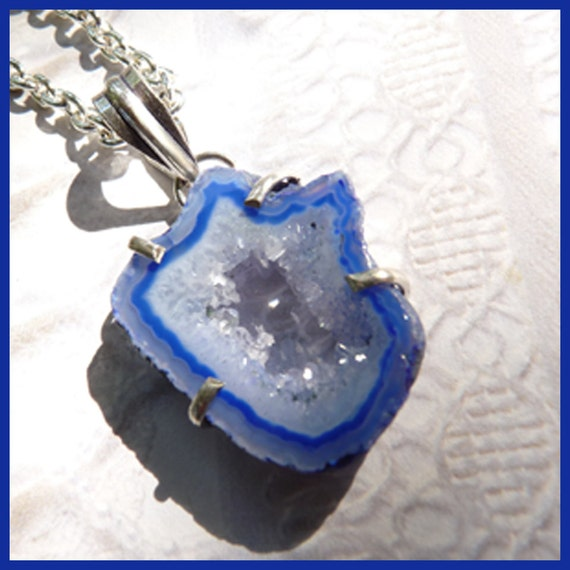 Beautiful Sparkling Crystals Deep Blue Geode - Sterling Silver Necklace  D 7910