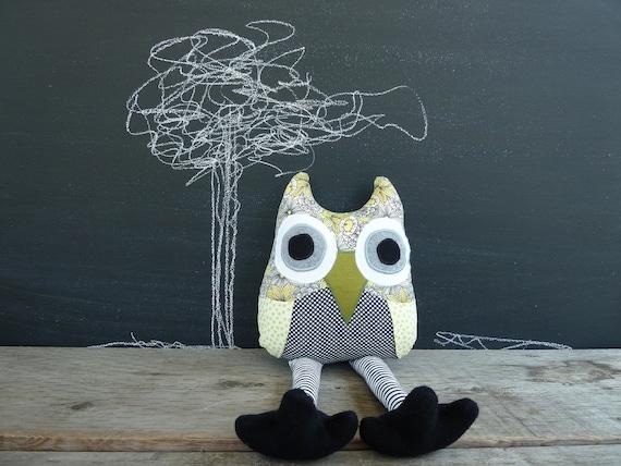 Owl Plushie-Daffy