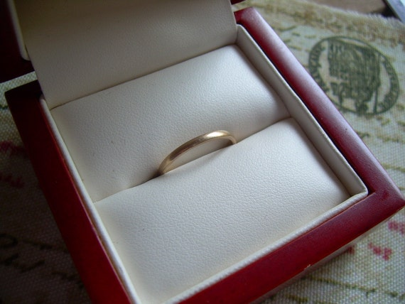 Vintage 14KP Yellow Plumb Gold Wedding Band Beautiful find Stamped PMS 14KP size 6