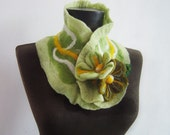 felted green autumn collar scarf - evalinen