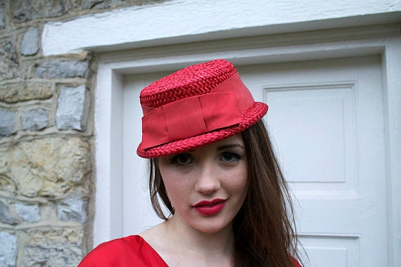 Vintage 1960s Hat Red Straw with Bow Rockabilly Retro Pinup